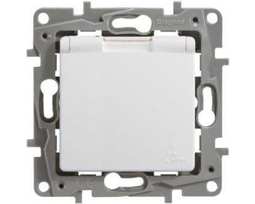 Legrand 672232 Розетка 2К+З IP 44 с откидной крышкой и шторками - немецкий стандарт - автоматические зажимы - 16 А - 250 В~ - Etika - белый